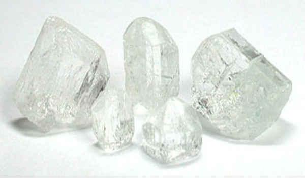 камень топаз-белый