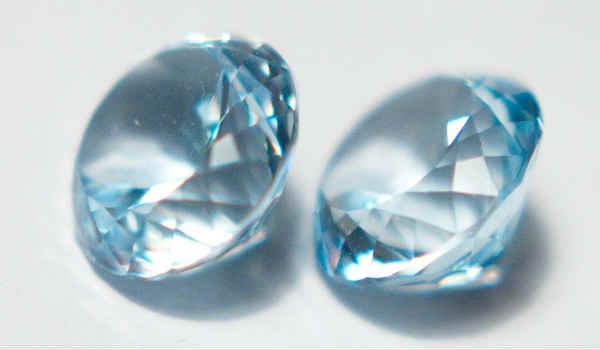камень топаз-голубой