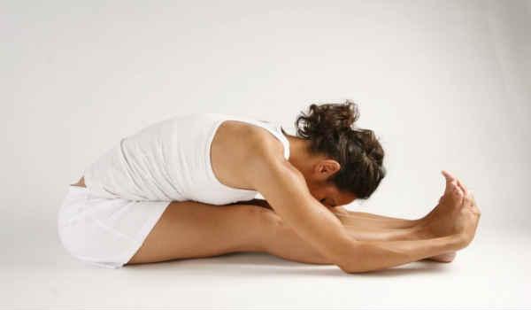 йога при сахарном диабете-наклон вперед сидя