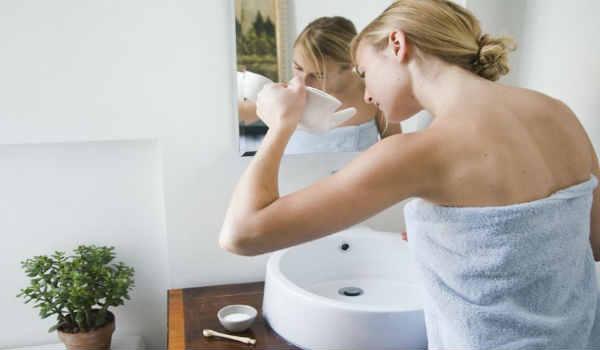 промывание носа солевым раствором-как промывать