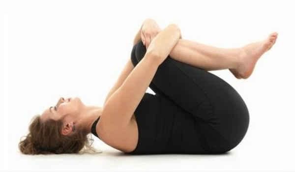 упражнения от боли в спине_оба колена