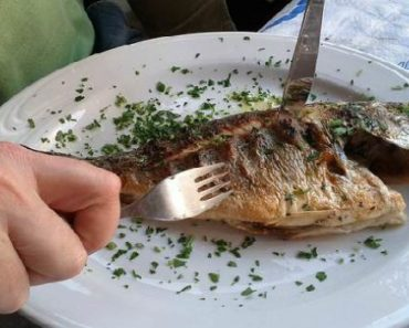 как вытащить кость от рыбы из горла-что делать если застряла кость от рыбы в горле