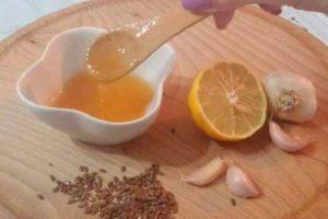 lnyanoe-maslo-chesnok-limon-i-med-eliksir-molodosti